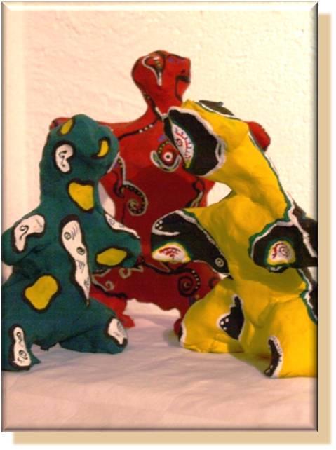 Figuren einer Familie (entstanden während der Bearbeitung einer Suchtproblematik)