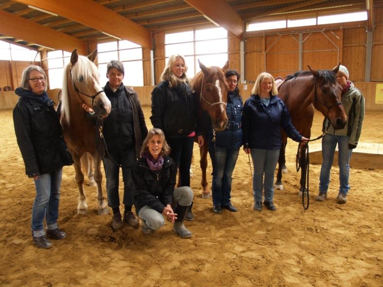 Pferd-Farbe Workshop, die Teilnehmer eines Projektes © Silke Laib, Ergo- & Kunsttherapeutin, Reitpädagogin IPTh
